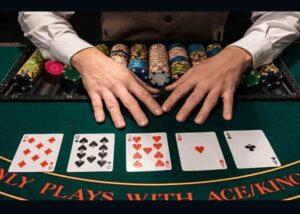 Juega en Linea - Aprende sobre el póker y juega en vivo