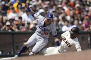 Juega en Linea - 5to juego y decisivo, Dodgers y Gigantes por la serie de campeonato